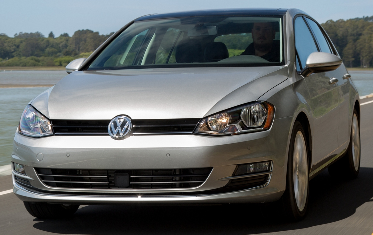 volkswagen_golf_tdi_5-door_us-spec_7